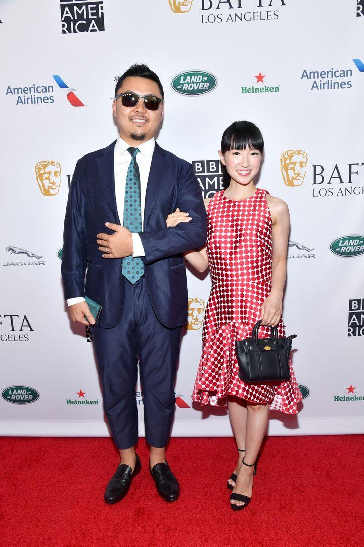 Takumi Kawahara y Marie Kondo, en la ceremonia de los premios BAFTA.