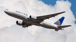 Η United Airlines κατηγορείται ότι δεν κρατάει τις αποστάσεις στις πτήσεις