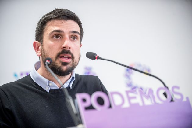 Imagen de archivo de Ramón Espinar durante una rueda de prensa de Podemos en abril del