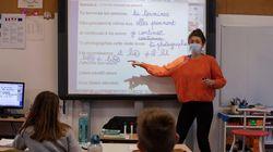 Las impactantes imágenes de cómo organizan a los niños en la reapertura de los colegios en