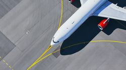 ΗΠΑ: Ταξίδεψε με ελικόπτερο και απαθανάτισε τα ακινητοποιημένα αεροσκάφη