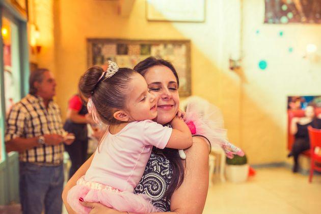 Letícia Lopes aprende muito com o amor e as vivências da pequena