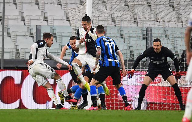 Calcio, Serie A riprende il 13 giugno se il Governo darà il via