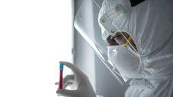 Το «γενετικό αίνιγμα» του κορονοϊού–Επιστήμονες εξετάζουν γιατί κάποιοι πεθαίνουν και άλλοι ούτε καν