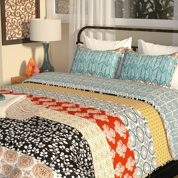 Tamela Reversible Quilt Set