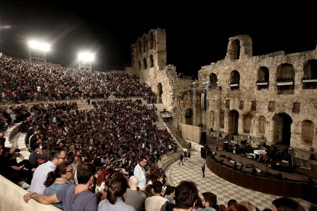 Φεστιβάλ Αθηνών: Λίγες παραστάσεις σε Ηρώδειο και Επίδαυρο, κλειστή η Πειραιώς