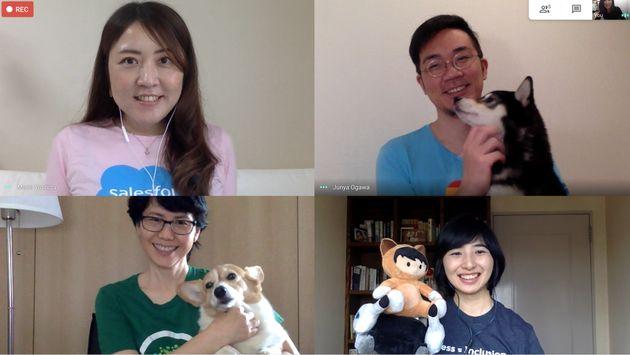 オンライン取材に参加した4人。着用しているのは、それぞれが所属するグループのオリジナルTシャツ。