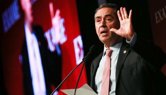 Ideal seria ter 'liderança unificada' e coordenação entre União e governos na crise, diz