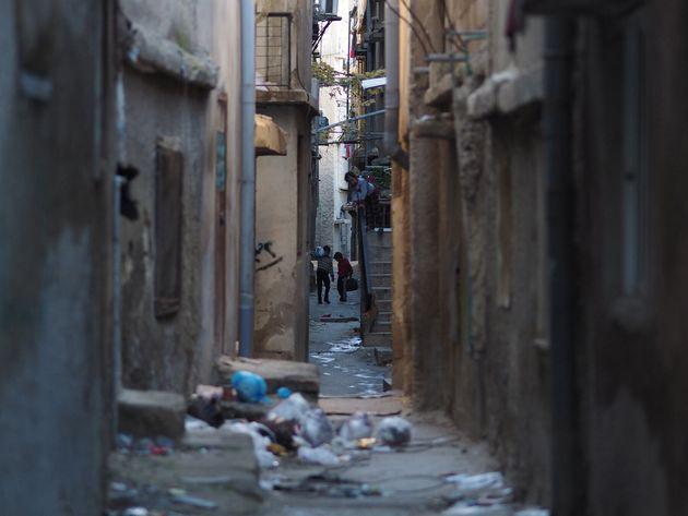 東アンマン。シリアの人々が暮らす場所は、家賃の安いアパートなども多い