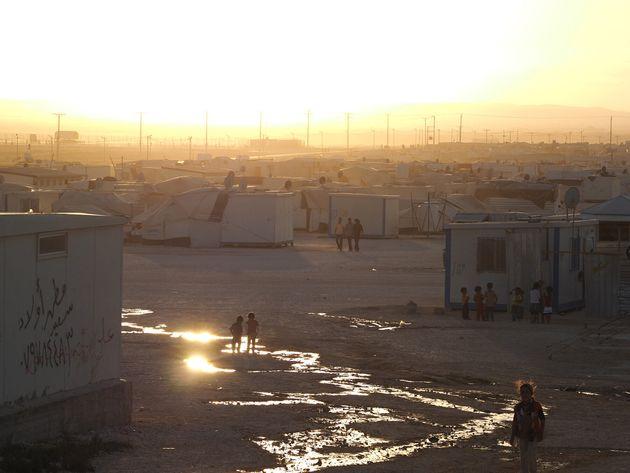 夕刻のザータリ難民キャンプ(2014年)