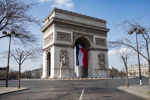 La qualité de l'air s'est nettement améliorée avec le confinement en Île-de-France,...
