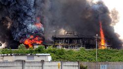 Incendio in un'industria chimica a Porto Marghera,