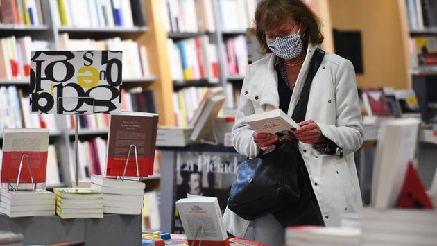 Les Français sont nombreux à s'être rendus dans les librairies pendant la première...