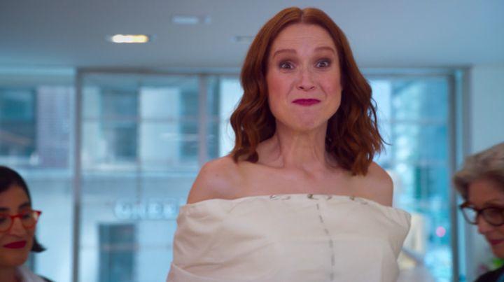 """Ellie Kemper in the opening scene of """"Unbreakable Kimmy Schmidt: Kimmy vs. The Reverend"""""""