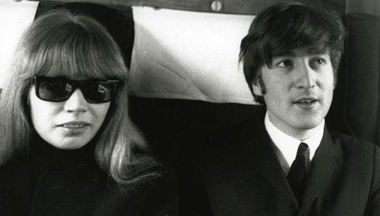 Πέθανε η φωτογράφος των Beatles, Άστριντ Κίρχερ - Η συνάντηση, οι θρυλικές εικόνες και ο