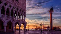 Venezia, la città che muore di turismo e che senza turismo muore (di Ottavio Di