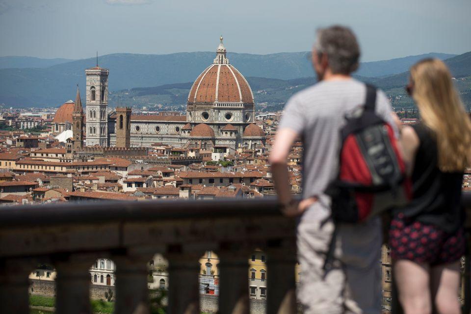 Φλωρεντία: Συσκευές με φωτεινή ένδειξη και ήχο σε μουσεία για την τήρηση των