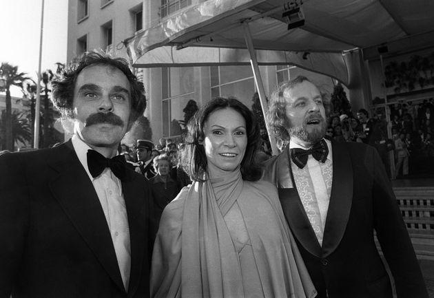 Monique Mercure est entourée par le réalisateur Jean Beaudin (à gauche) et Marcel...