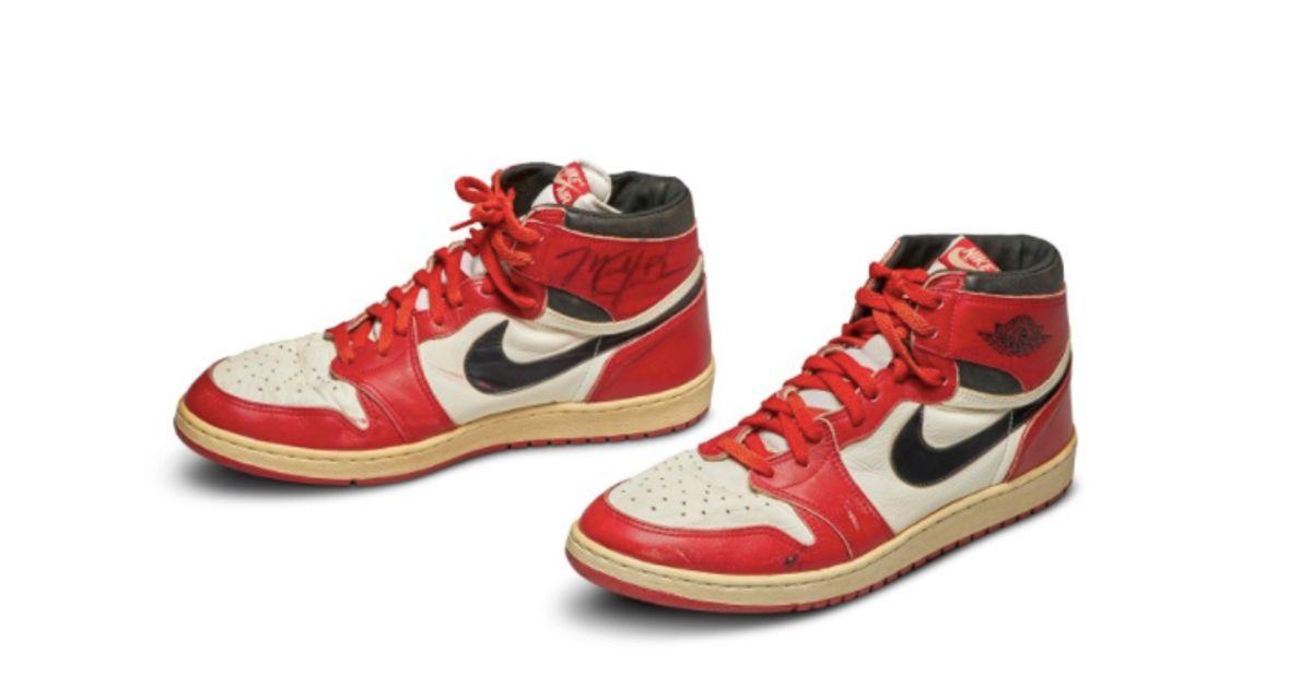 Une paire de basket Air Jordan 1 vendue plus d'un demi-million de ...