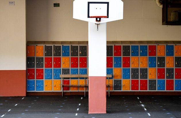 Plus de 50 écoles maternelles ou primaires sont fermées ce lundi 18 mai en France après la découverte...