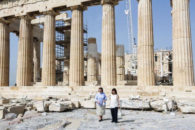 Ανοιξε η Ακρόπολη - Πρώτη επισκέπτρια η Πρόεδρος της