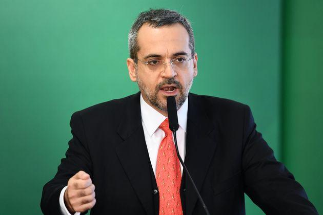 O ministro Abraham Weintraub tem afirmado que o exame não é para atender injustiças...