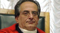 Ai domiciliari procuratore capo di Taranto. L'accusa di pressioni sulla pm per chiudere un'inchiesta (di F.
