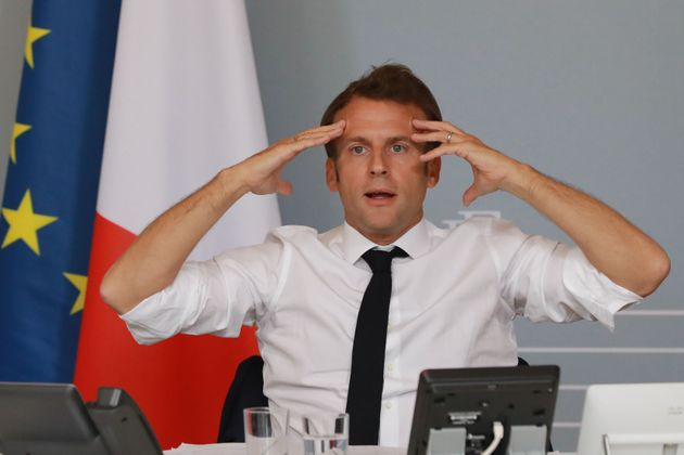 I guai di Macron. Attacchi da destra a sinistra al