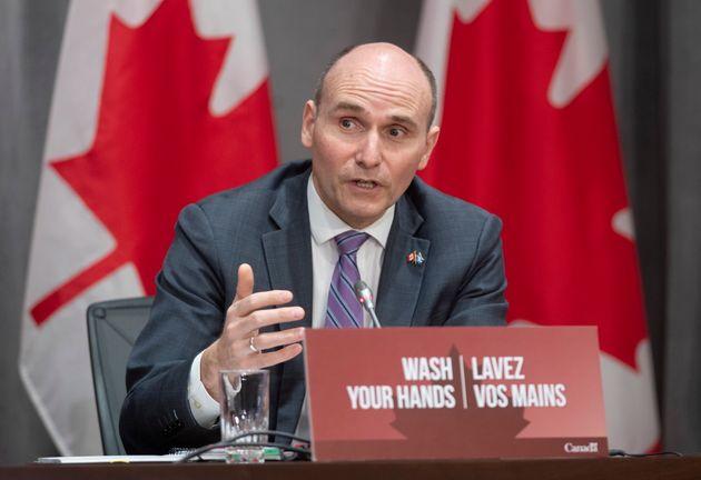 Jean-Yves Duclos, président du Conseil du Trésor, en point de presse à Ottawa, en