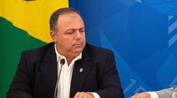 Com aval de Bolsonaro, militares dominam cargos-chave do Ministério da Saúde sob general