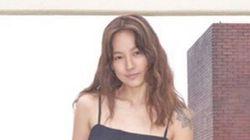 가수 이효리가 청각 장애인들이 만든 구두를 홍보하는