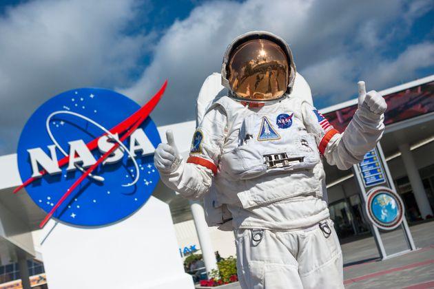 Παραιτήθηκε ο υπεύθυνος επανδρωμένων διαστημικών πτήσεων της