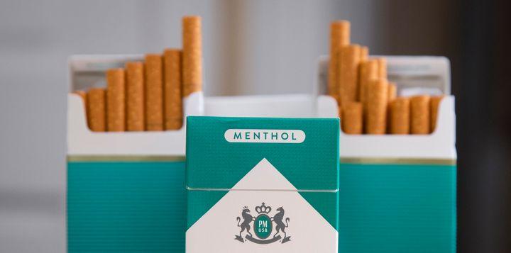 """""""Il est grand temps d'étendre l'interdiction et d'adopter une loi distincte pour la cigarette électronique aromatisée"""", précise la Fondation contre le Cancer."""