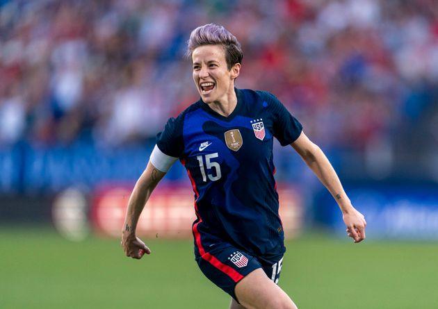 L'Américaine de 34 ans, Ballon d'or féminin 2019, milite depuis longtemps pour la défense...