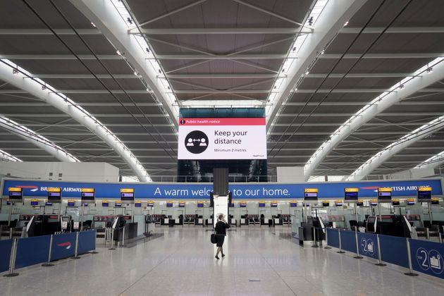 Λονδίνο, Ηνωμένο Βασίλειο: Το άδειο διεθνές αεροδρόμιο του Χίθροου στην εποχή της πανδημίας.