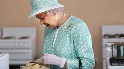 Σκόουνς: Η συνταγή για τα βρετανικά ψωμάκια που αγαπάει η βασίλισσα