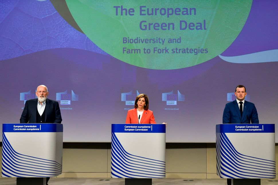 European Commissioners for European Green Deal Frans Timmermans, for Health Stella Kyriakides and for Environment and Oceans