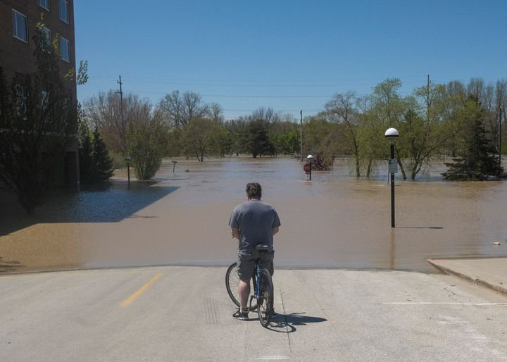 Floodwaters flowed from the Tittabawassee River into Midland, Michigan, on May 20.