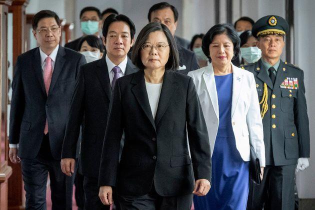 취임식 참석 중인 차이잉원 대만 총통(가운데). 2020. 5.