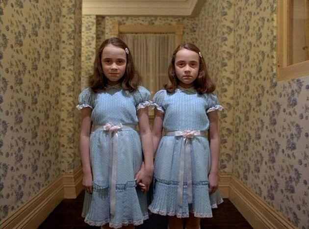 As assustadoras irmãs Grady, interpretadas no filme por Lisa e Louise
