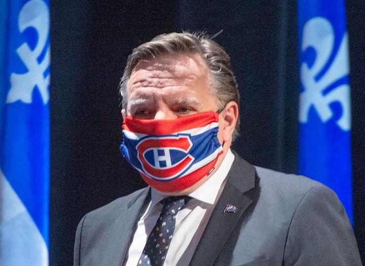 Le coronavirus empêcherait la tenue d'une parade de la Coupe Stanley à Montréal cet été «si le Canadien fait les séries», a souligné François Legault avec un sourire en coin.