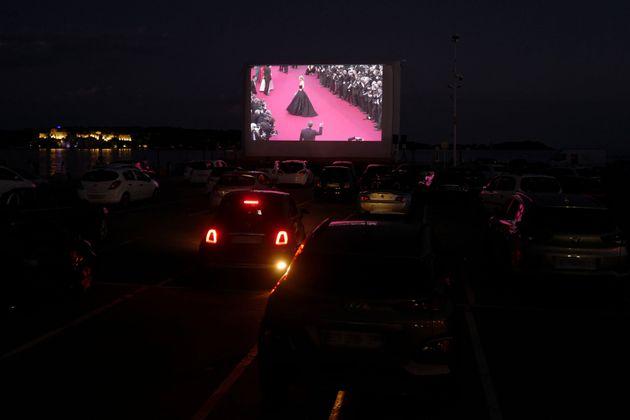Κάννες: Αντί για φεστιβάλ και κόκκινο χαλί, drive-in, μάσκες και ποπ
