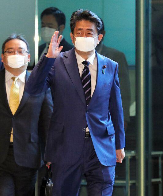 首相官邸に入る安倍晋三首相=2020年5月21日午前9時55分、岩下毅撮影