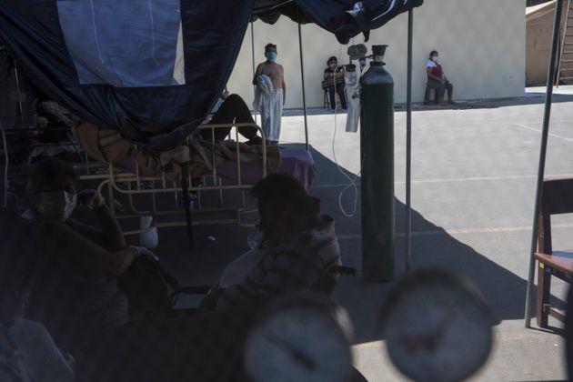 Περού: Ενα βήμα πριν την κατάρρευση τα νοσοκομεία στην