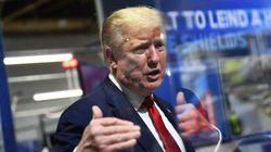 트럼프가 '마스크 착용 필수' 공장에서 마스크 착용을 거부한