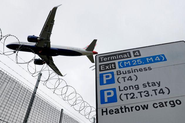 Le Royaume-Uni va imposer une quatorzaine à tous les voyageurs, et contrairement à ce qu'avait...