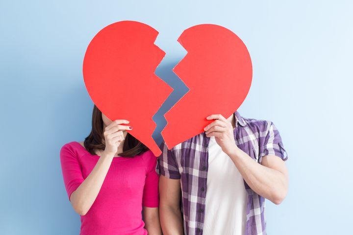 """""""Tous les moyens auxquels nous avons recours d'habitude pour nous distraire d'un chagrin d'amour ne sont pas disponibles"""", explique la sexologue Meghan Stubbs."""