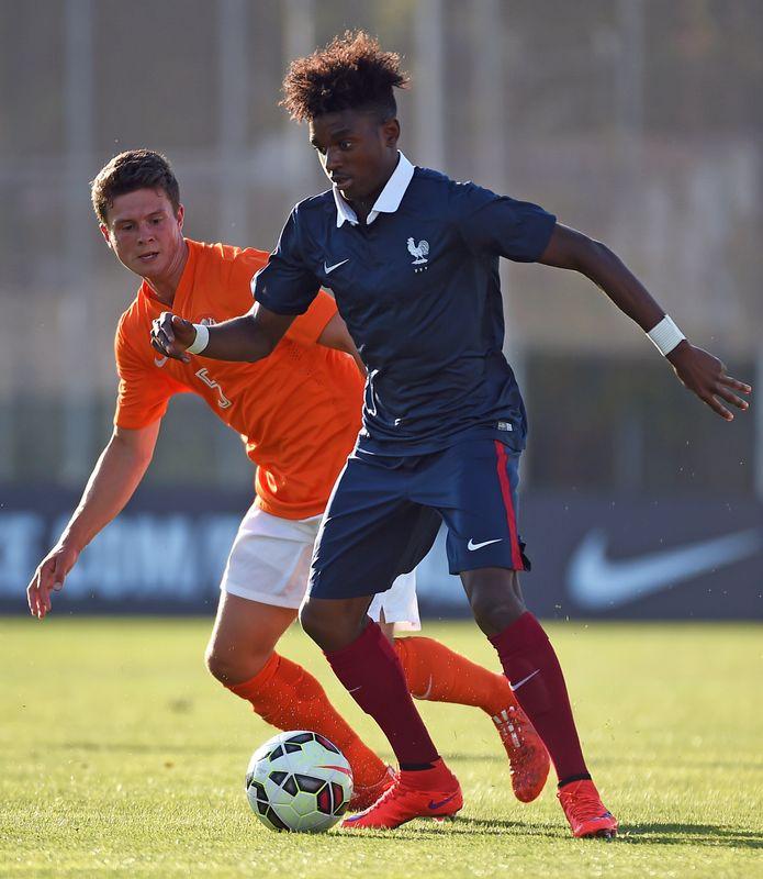 Âgé de 24 ans, Jordan Diakiese se serait éteint dans l'après-midi du jeudi 21 mai. Latéral droit du club corse Furiani-Agliani, il avait été formé et a évolué au Paris Saint-Germain entre 2008 et 2015.>>> En savoir plus dans notre article par ici