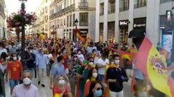El comentado gesto de un joven en la protesta contra el Gobierno en Málaga: se ve en la