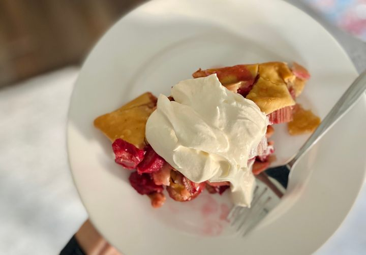 Our senior Food & Style editor made a swoonworthy rhubarb pie.
